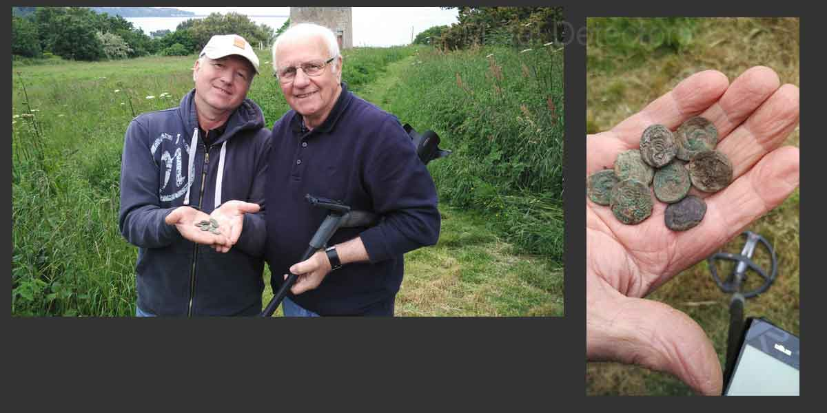 Gary-and-Reg-with-Silver-coins-found-with-the-Deus