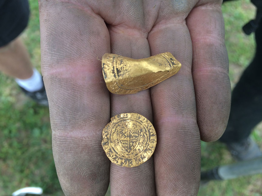Gary-smith-finds-ancient-Gold-coin-with-his-xp-deus