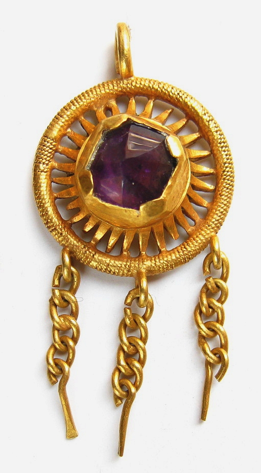 Gold 15c hat jewel